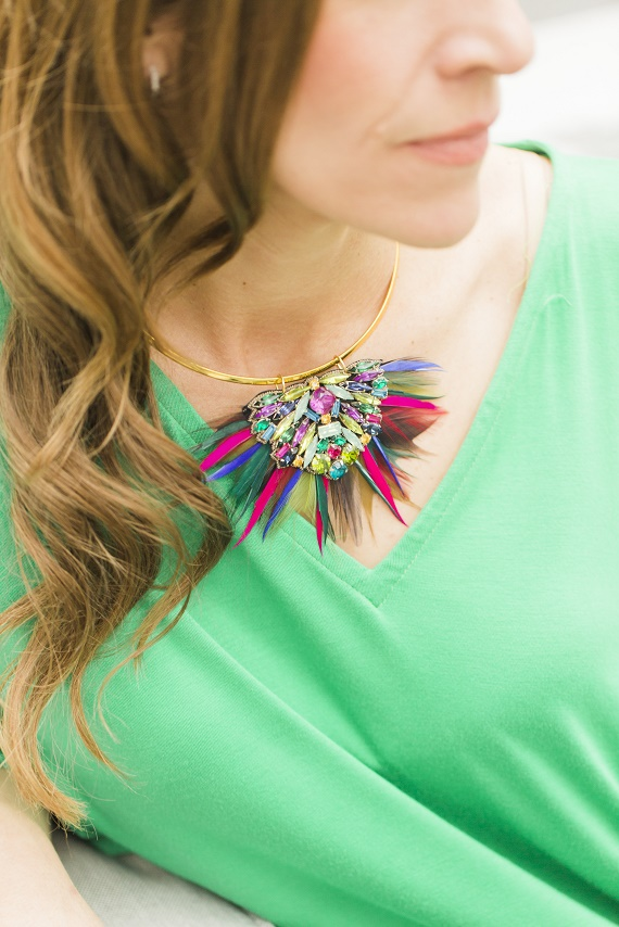 Personal-Stylist-Houston-How-to-Wear-the-Color-of-the-Year-Greenery-Colorful-Feather-Necklace