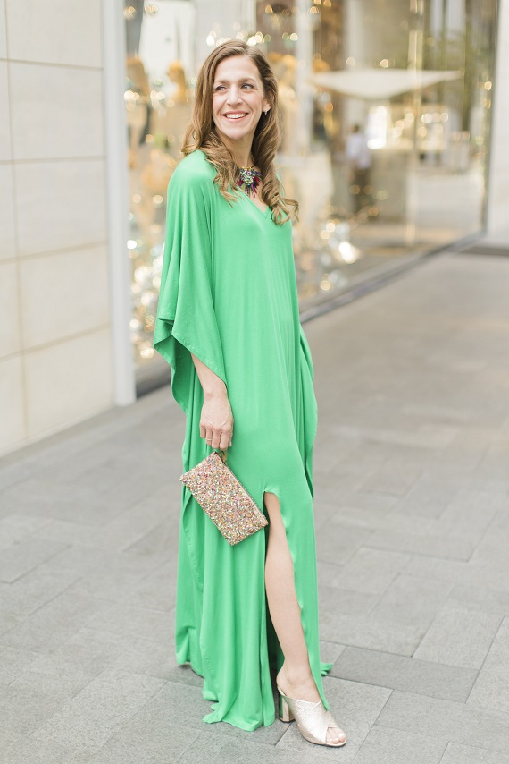 Personal-Stylist-Houston-How-to-Wear-the-Color-of-the-Year-Greenery-Long-Caftan