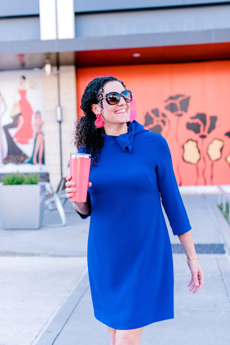 How to wear living coral Houston Image Consultant Natalie Weakly Coral and Blue Pairing