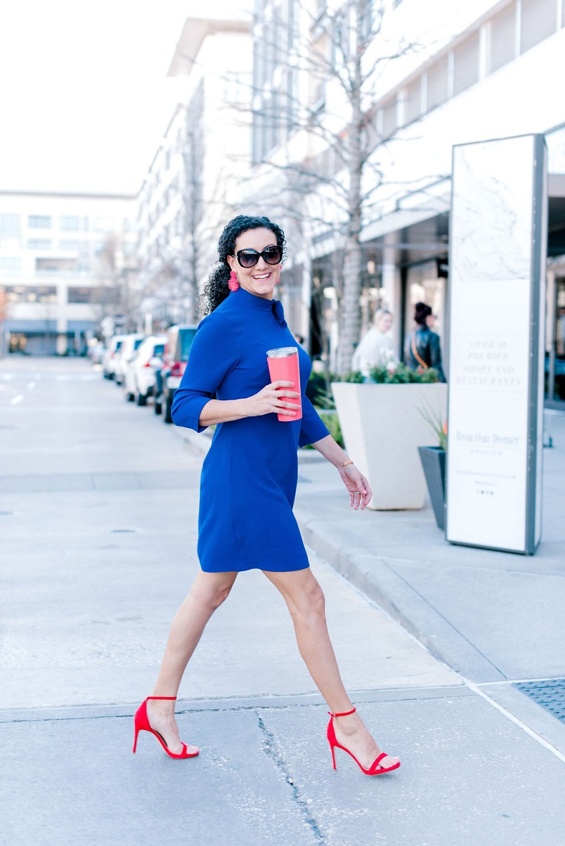 How to wear living coral Houston Image Consultant Natalie Weakly Coral and Blue