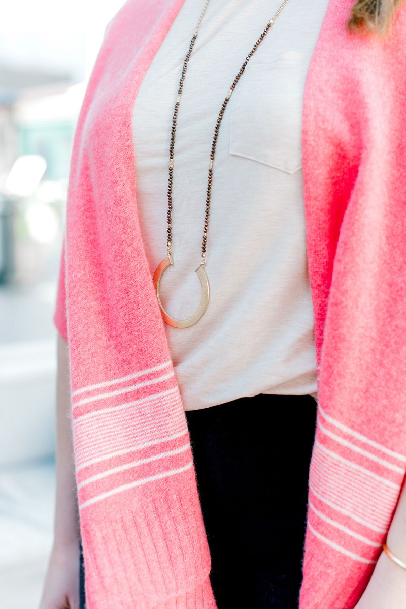 How to wear living coral Houston Image Consultant Natalie Weakly Coral and Plum Details